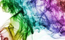 タバコを吸う人は社会的信用度が低い!?